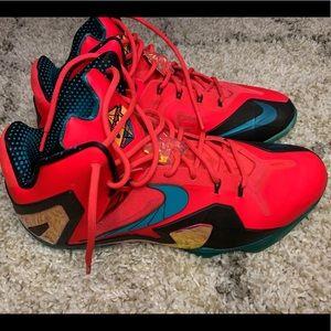 Nike Lebron XI Elite Basketball Shoes Sz. 14!